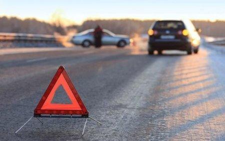 Ağdamda avtomobil 15 yaşlı qızı vurdu