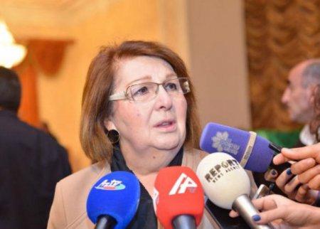 Ofeliya Sənani: Biz diktorlar bu yaşda yetim qaldıq - FOTO