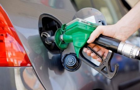 Özbəkistanda benzin 35 faiz bahalaşdı